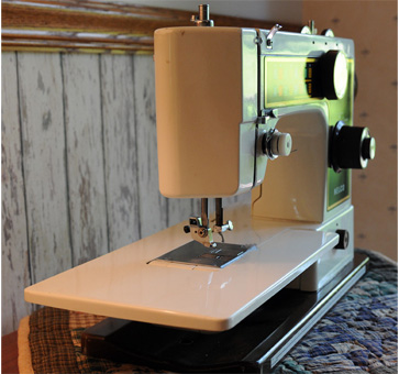 Model F600 Nelco Sewing Machine