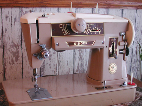 Singer 401 Sewing Machine
