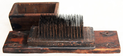 Flax Comb With Cover